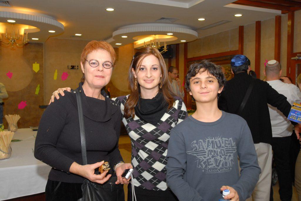 chanukah 2008 (23)