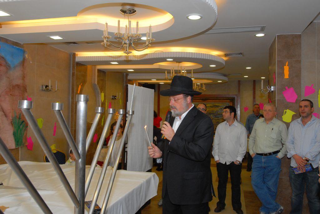 chanukah 2008 (39)