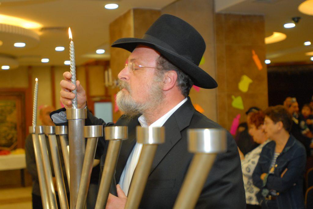 chanukah 2008 (43)