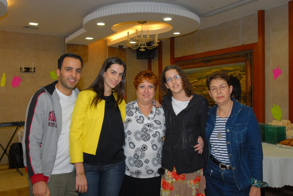 chanukah 2008 (5)