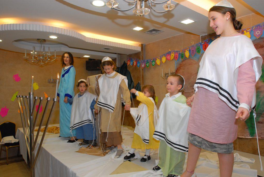 chanukah 2008 (64)