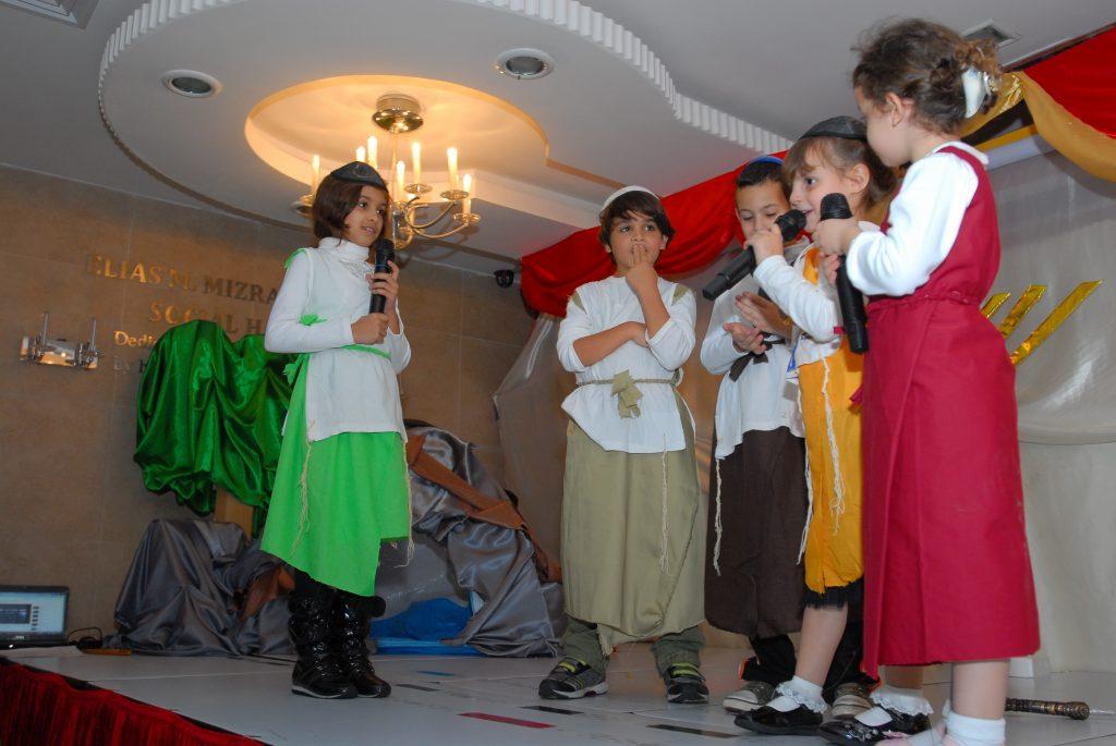 chanukah 2010 (29)